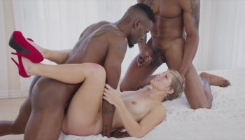 BLACKED hot milf Fucks Two BBCs and cum inside video