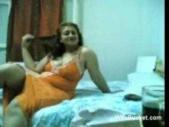 Chubby Arab Wife homemade sex tape