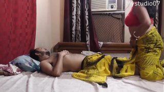 Desi sexy bhabi having sex with her new boy friend
