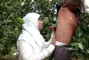 Egyptian hot cute wife fuck hardcore in garden