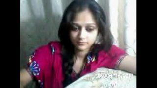 Hot Desi teen masturbating on webcam for boy friend