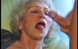 My friend fuck my old mom