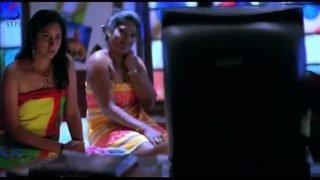Naughty Girls Watching MMS – Drama Scene – Zehreeli Nagin [2012] – Hindi Dubbed